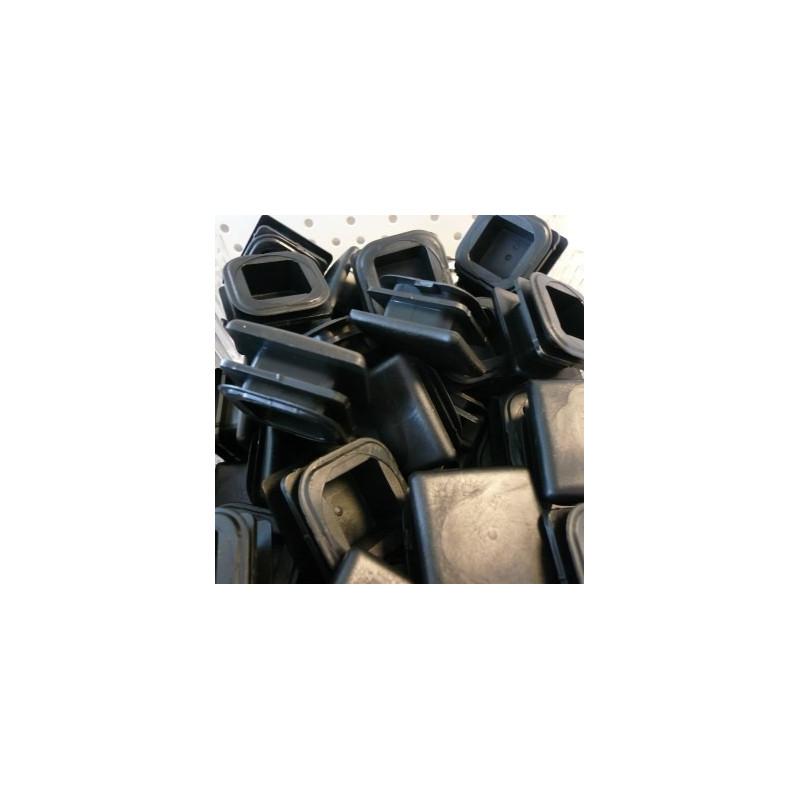 Embouts carrés plastiques noirs