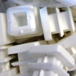 Embouts carrés plastiques blancs